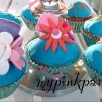 Cupcakes mit blauen Fondant