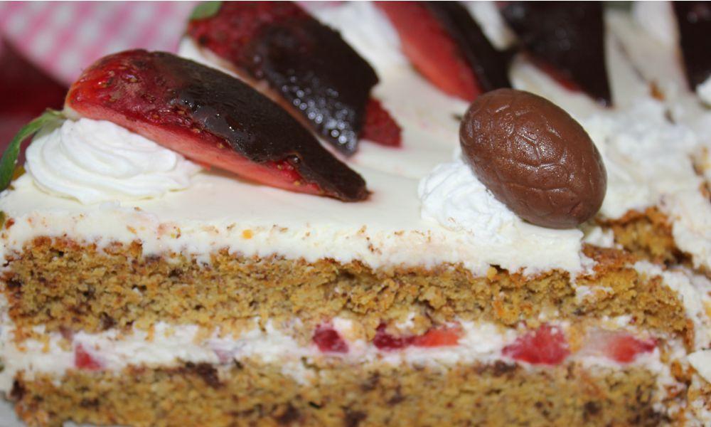 Möhren-Erdbeer-Schokoladentorte