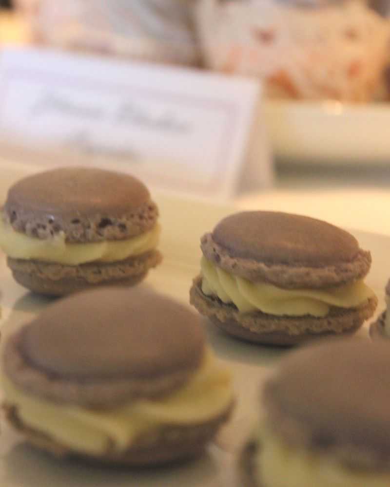 sweet_table_hochzeit_taufe_lila_lavendel_macarons_1