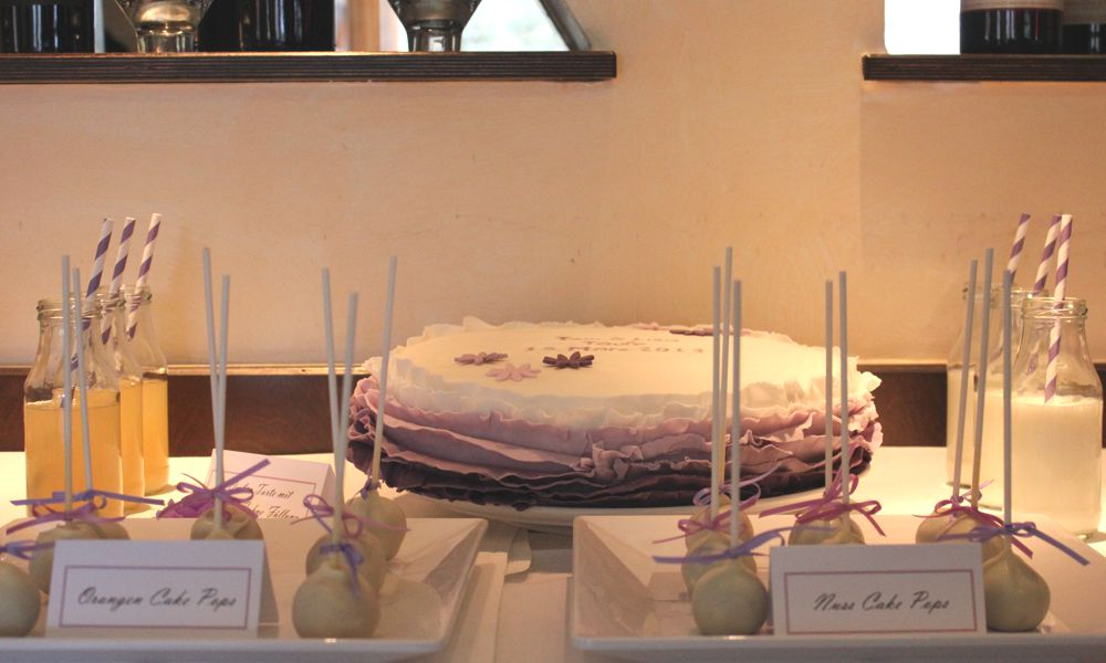 sweet_table_hochzeit_taufe_lila_lavendel_torte_ombre_1