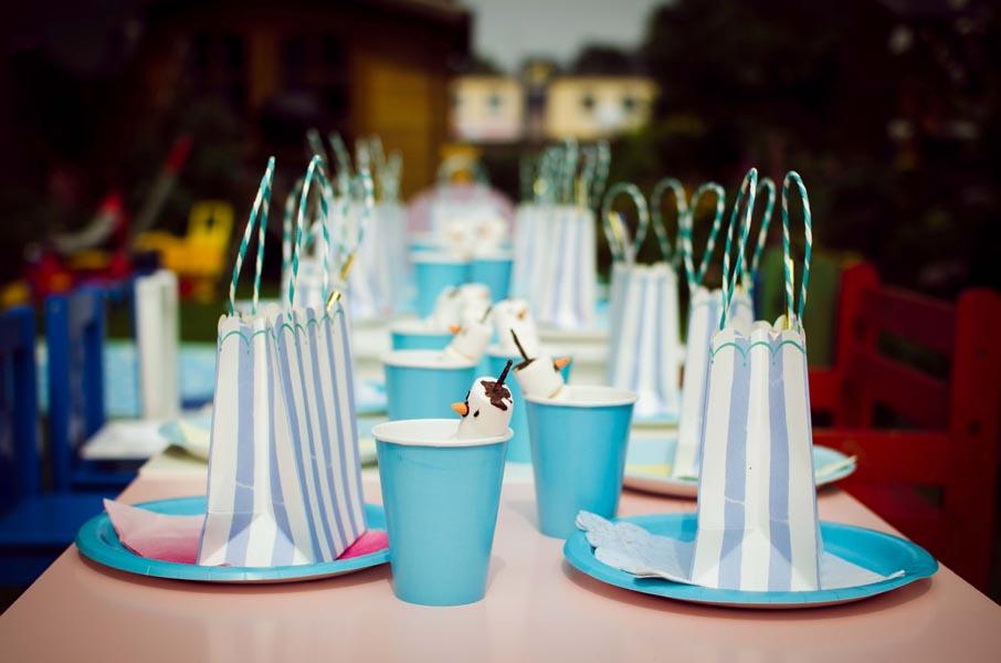 Elsa Geburtstagstisch mit Tüten