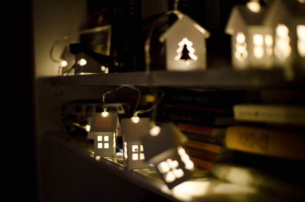Weichnachtdeko-Lichterkette-kleine-häuschen