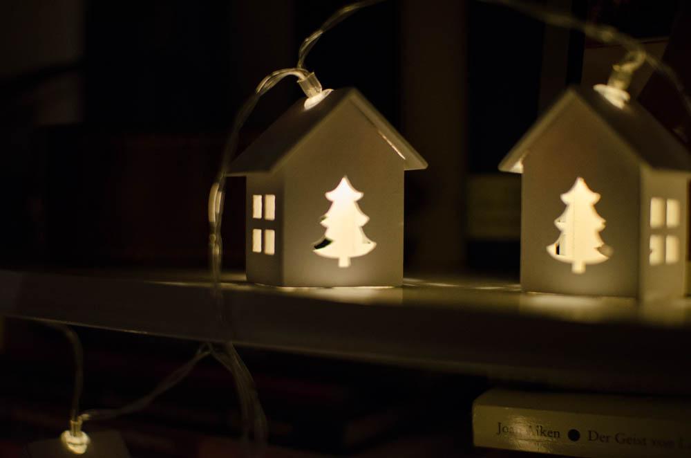 Weichnachtdeko-Lichterkette-kleine-häuschen_1