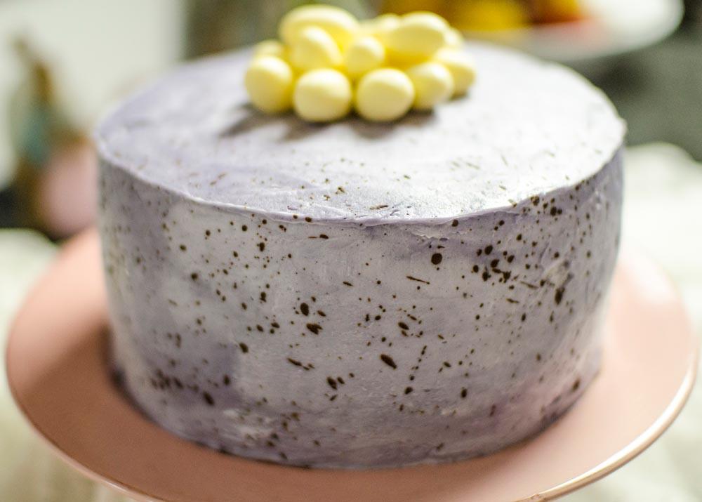 Osterntorte-Osternkuchen-Ostereier-als-tischdekorationen_26