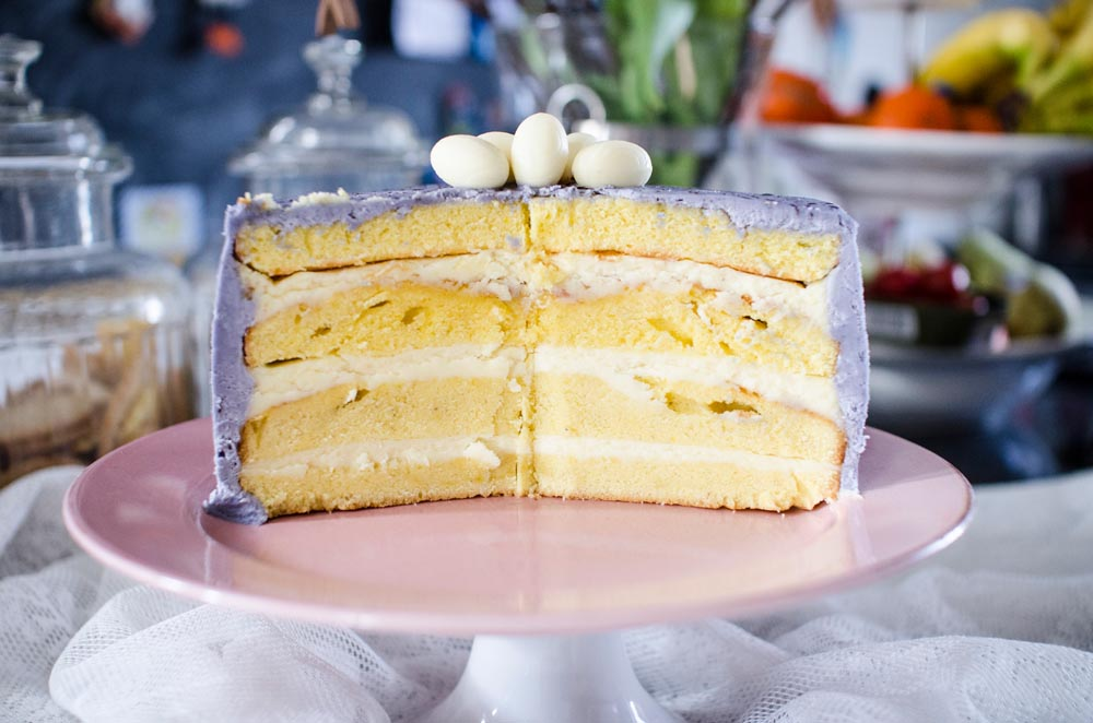 Osterntorte-Osternkuchen-Ostereier-als-tischdekorationen_48