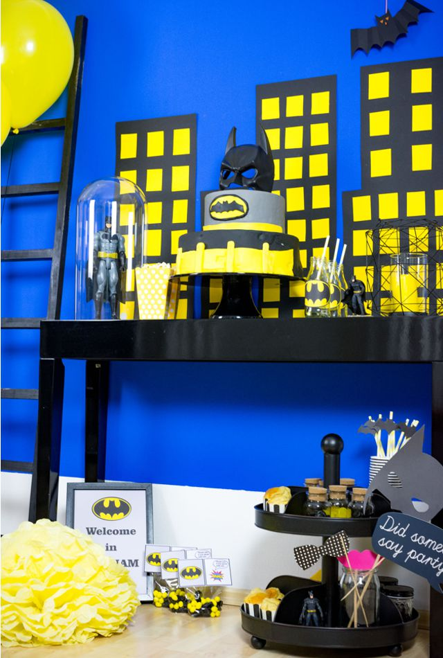 superhelden dekoration und batarangs batman with. Black Bedroom Furniture Sets. Home Design Ideas