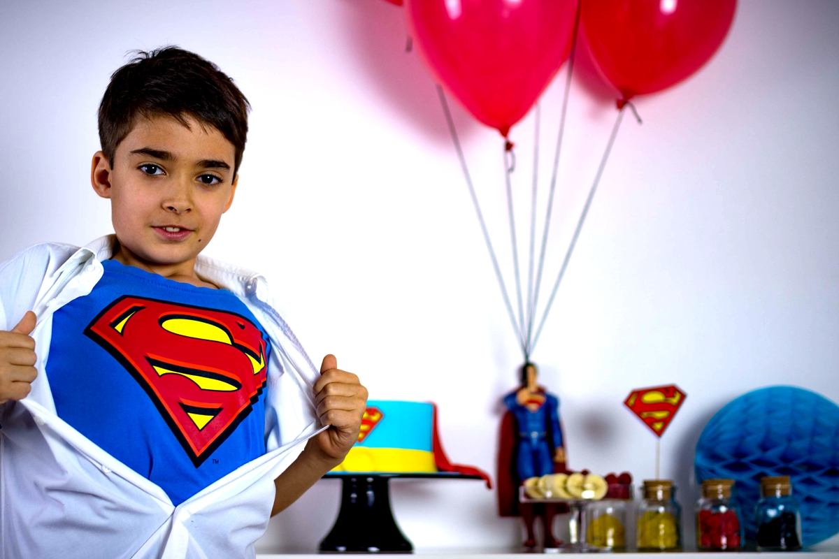 superman_candybar_cake_comic_superhero