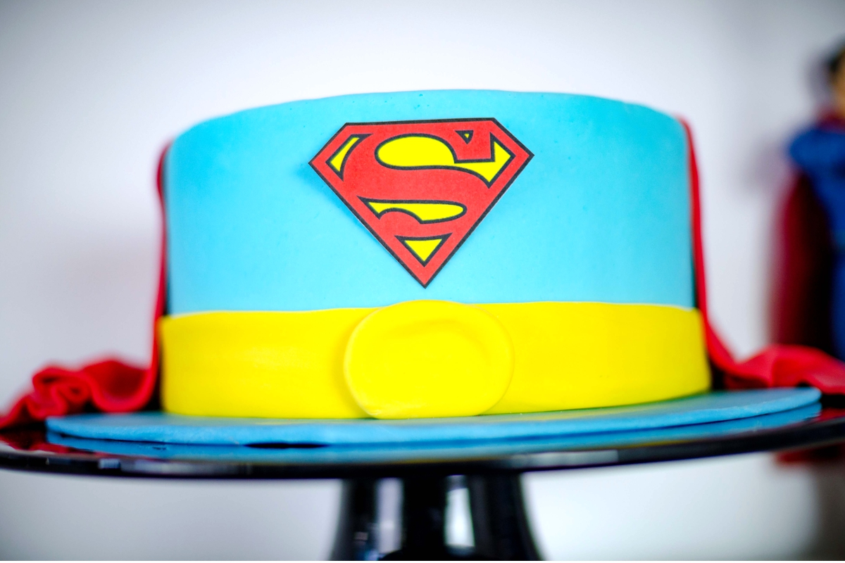 torte_cake_superman_comic_candybar_superhero