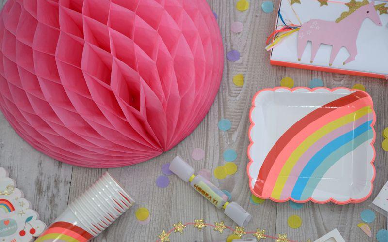 Wabenball in pink für einen Einhorn Geburtstag
