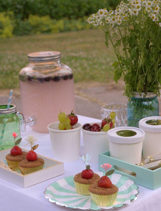 Bild Sweet Table mit Limonade für Mittsommer-Fest